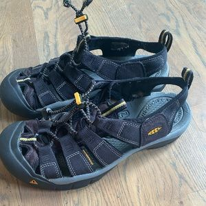 Keen Newport H2 men's hiking shoes black 9